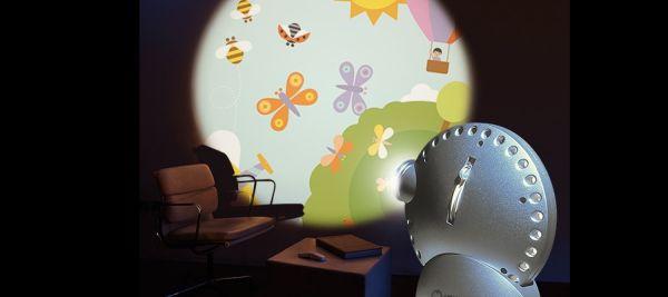 Space Projektor projiziert schöne drehende Bi